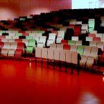 Hörsaalzentrum Universität Farbgestaltung Innenbereich
