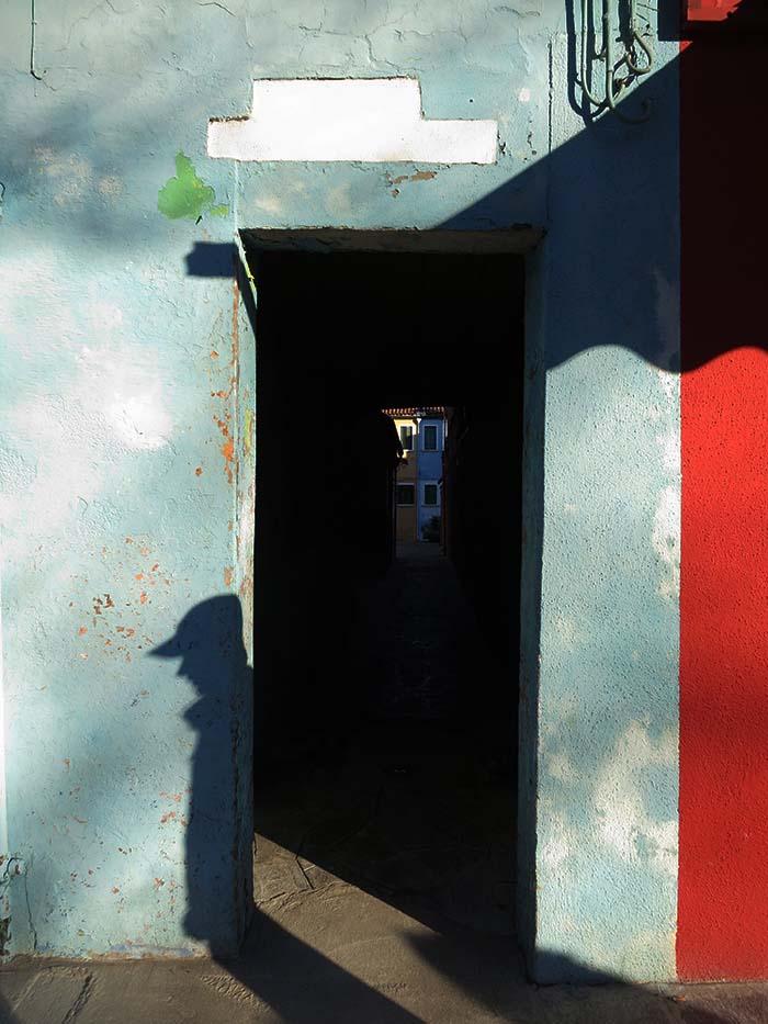 Fassadengestaltung auf Burano - türkisblauweiß