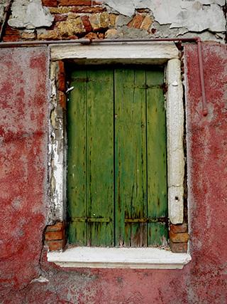 Ausschnitt einer Häuserfassade auf Burano