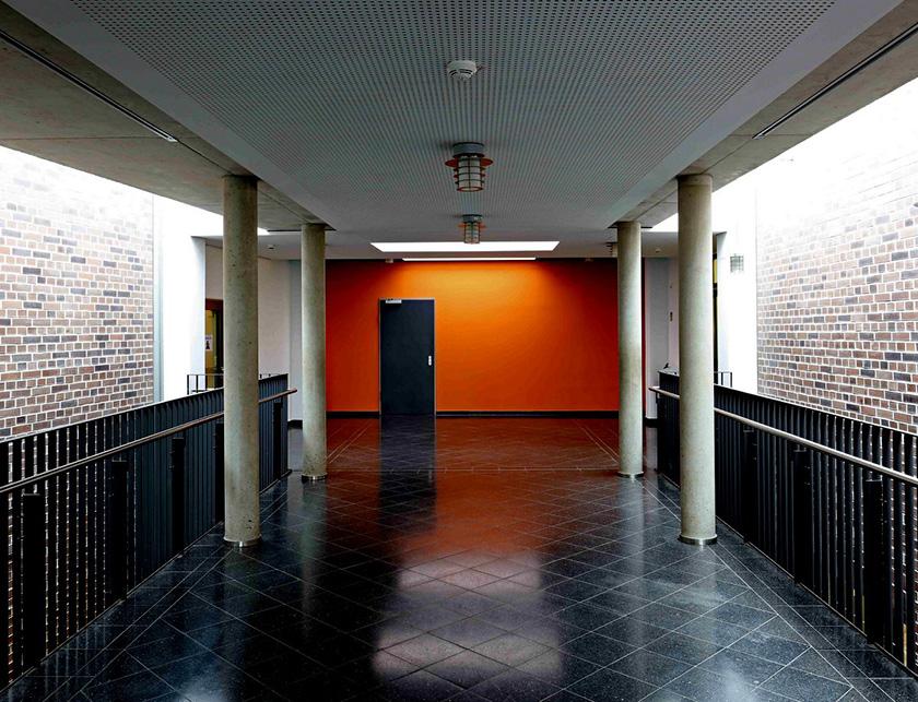 Mosaik-Grundschule Ennigerloh Innenraumgestaltung Friedrich Schmuck Innenraumansicht